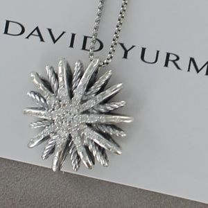 DAVID YURMAN  26mm Starburst  Diamond Necklace